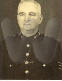 Abt 1945 - Edward TWH Holmes